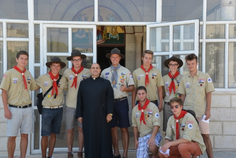 Rovergruppe zu Besuch bei Pater Mamdouh